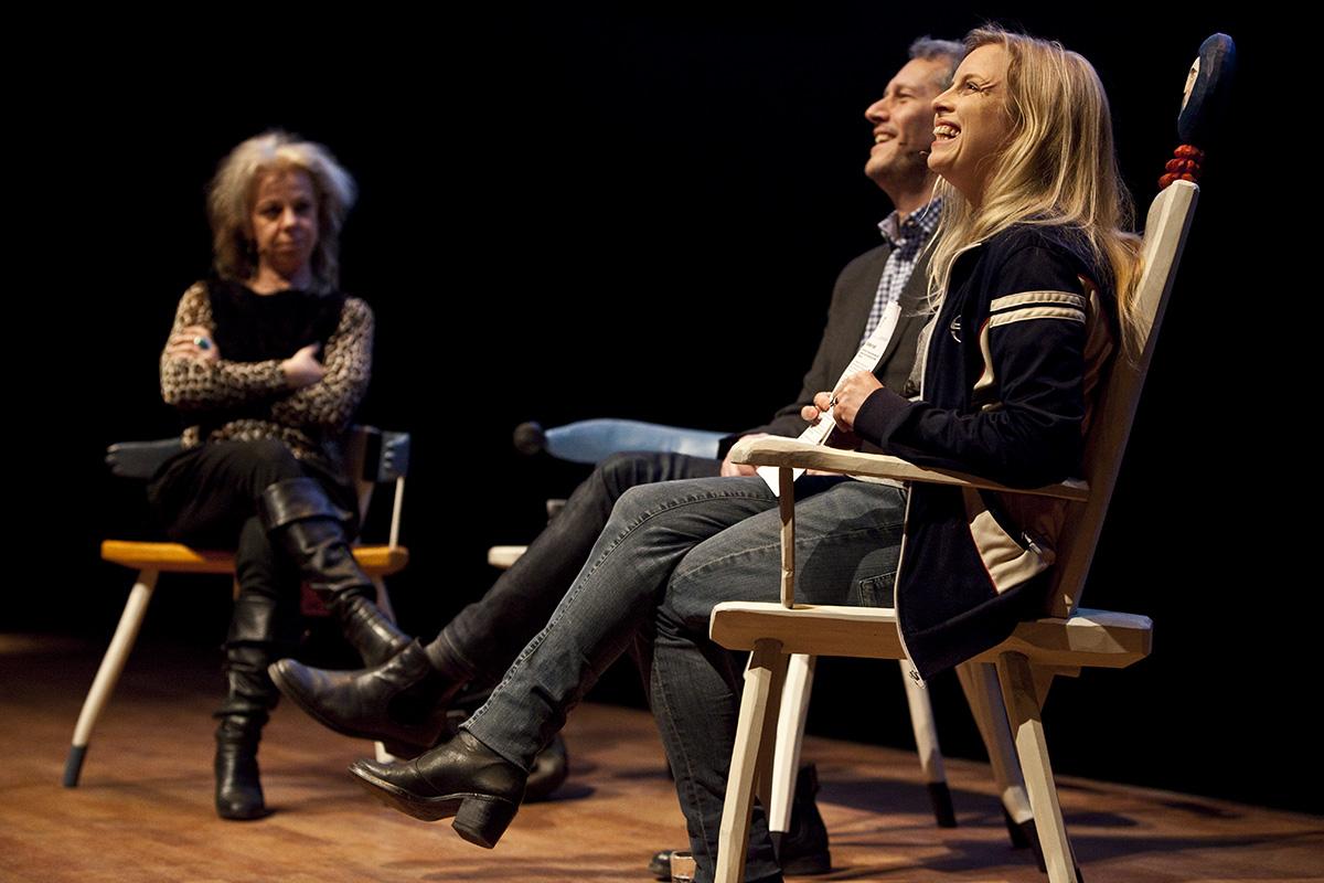 Författarsamtal på scen under evenemanget Littfest